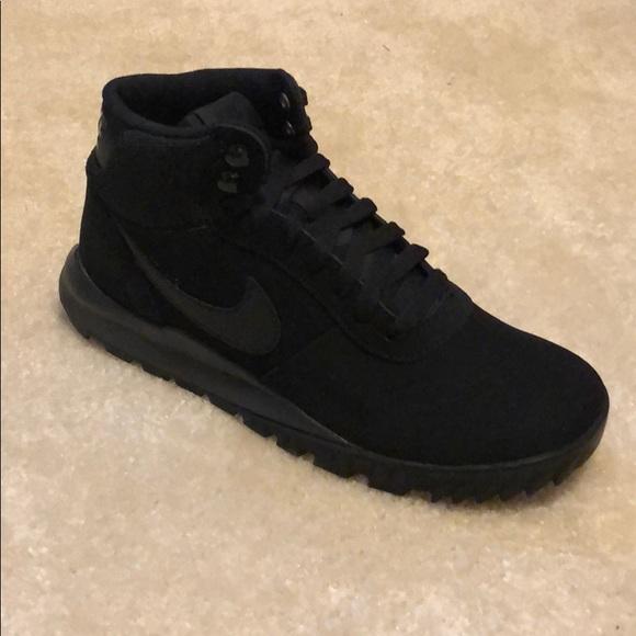 801fa4851ae5a4 ... Nike Hoodland Suede size 7.5. M 5b60f34f61974595eba0a0ed